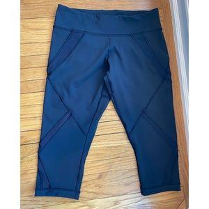 Lululemon capri running pants 6 EUC